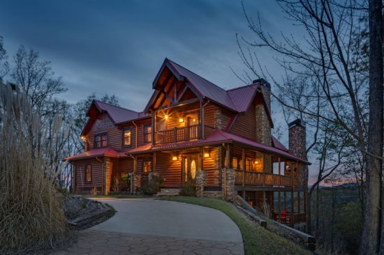 Luxury rental cabin in Ellijay, GA.