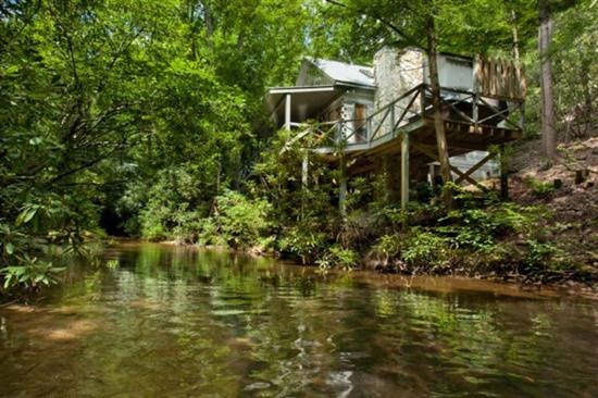 Ellijay cabin rental called Hemlock Creek on Fighting Town Creek in Ellijay