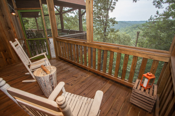 North georgia rental cabin with 6 bedrooms and 3 baths in Ellijay