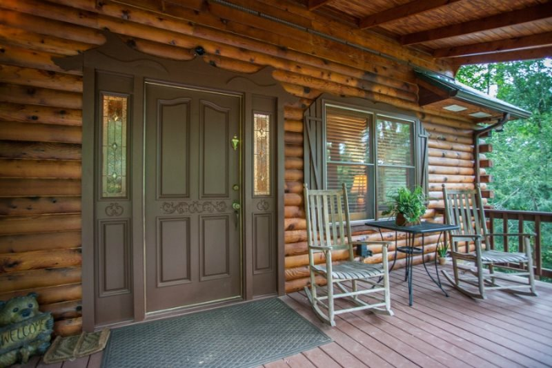 3 bedroom, 3 bath pet friendly rental cabin with mountain views!