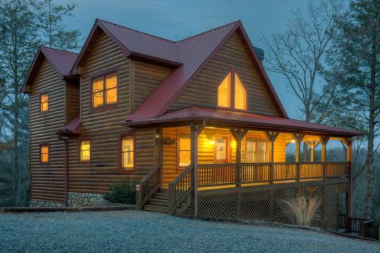 3 bedroom, 3 bath cabin, and it's pet friendly!